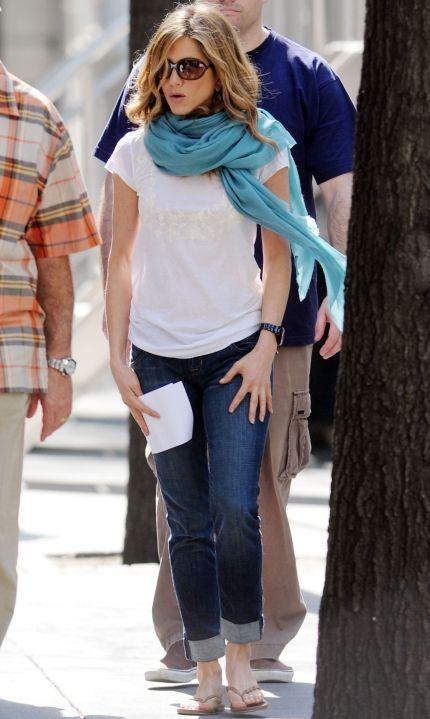 4697f747d19db jennifer aniston scarfs | Jennifer Aniston has casually looped a turquoise  pashmina scarf around .