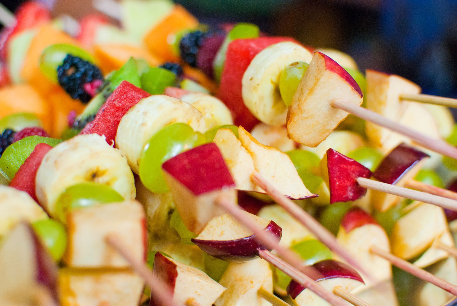 fruit kabobs! | party ideas | pinterest | baby shower finger foods