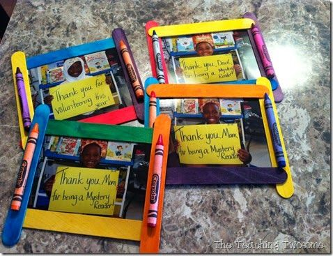 Using popsicles to make this cute thank you craft.