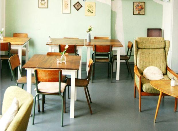 mainz caf annabatterie couch das erste wohn fashion magazin st dte t r ips. Black Bedroom Furniture Sets. Home Design Ideas