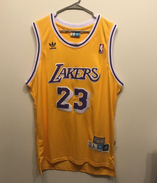 official photos 25848 a9416 Lebron James LA Lakers Jersey Large for Sale in Huntsville ...
