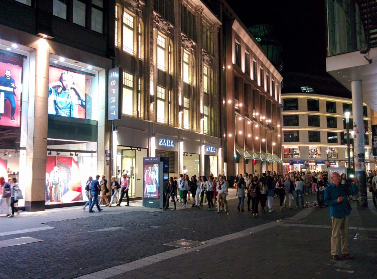 Shopping In Dusseldorf Part 2 Dusseldorf Shops And Malls In 2020 Dusseldorf Street Street View