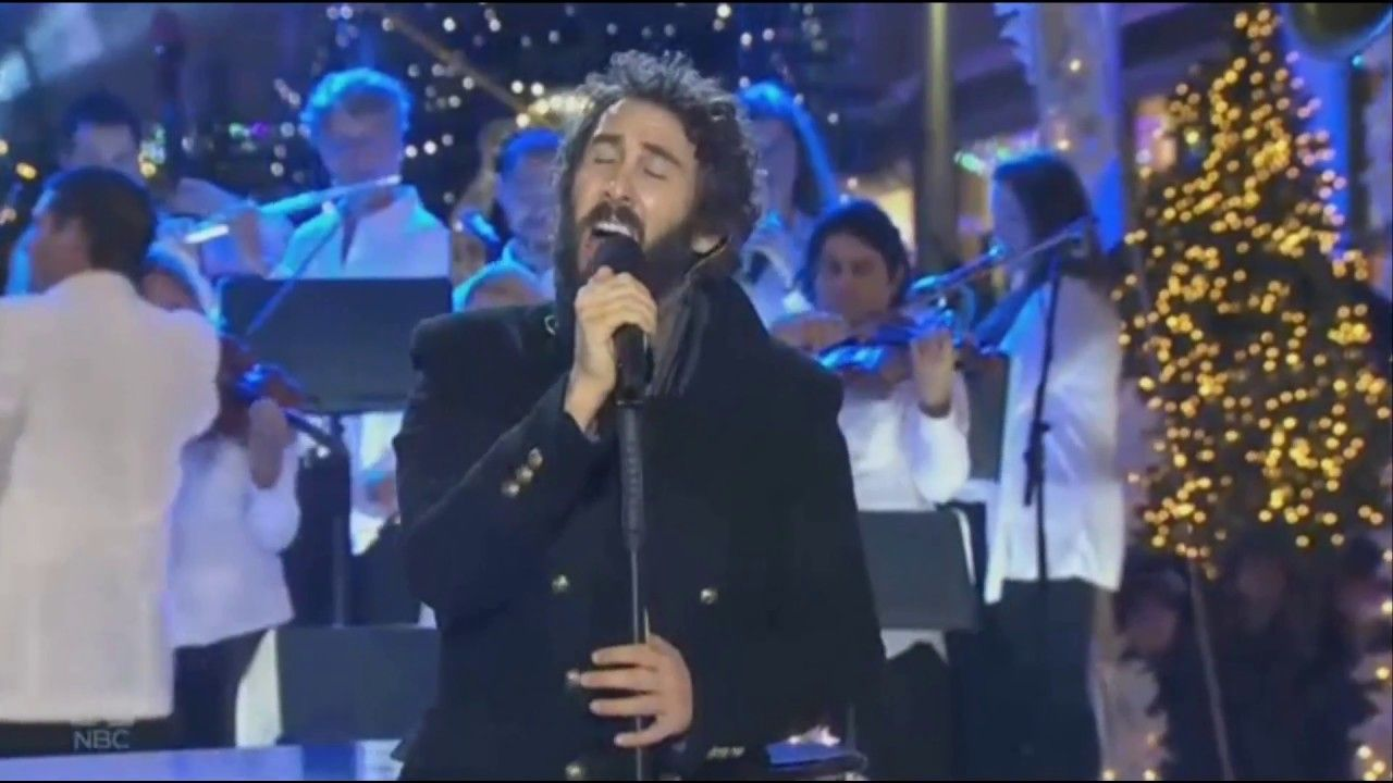 Josh Groban sings \'Have Yourself a Merry Little Christmas ...