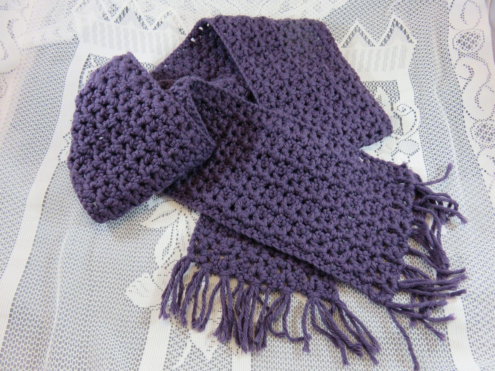Echarpe en laine, écharpe au crochet, Jolie point fantaisie, écharpe pour  fille et femme, laine Phildar de couleur mure, écharpe violette de la  boutique ... 9a6004f6d89