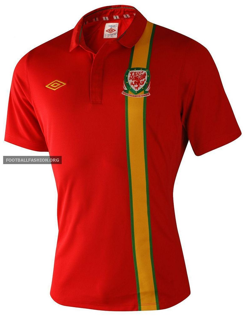 buy online fa9b8 f2f1d Wales Umbro 2012/13 Home Kit | Soccer Jerseys | Wales ...
