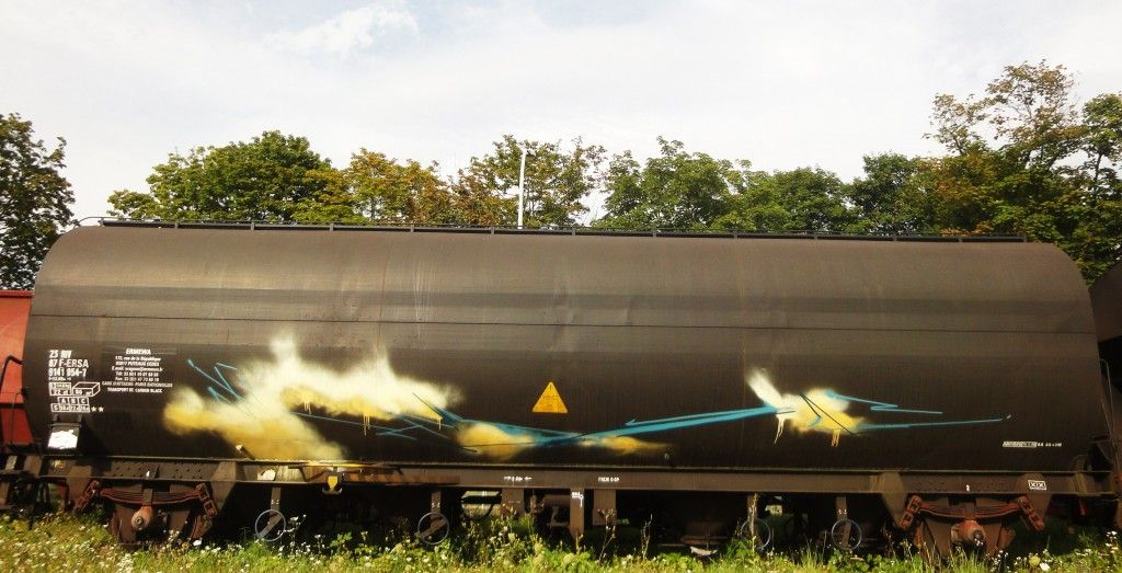 orbit119 :  http://graffuturism.com/2013/12/20/wipeout-european-freight-update/