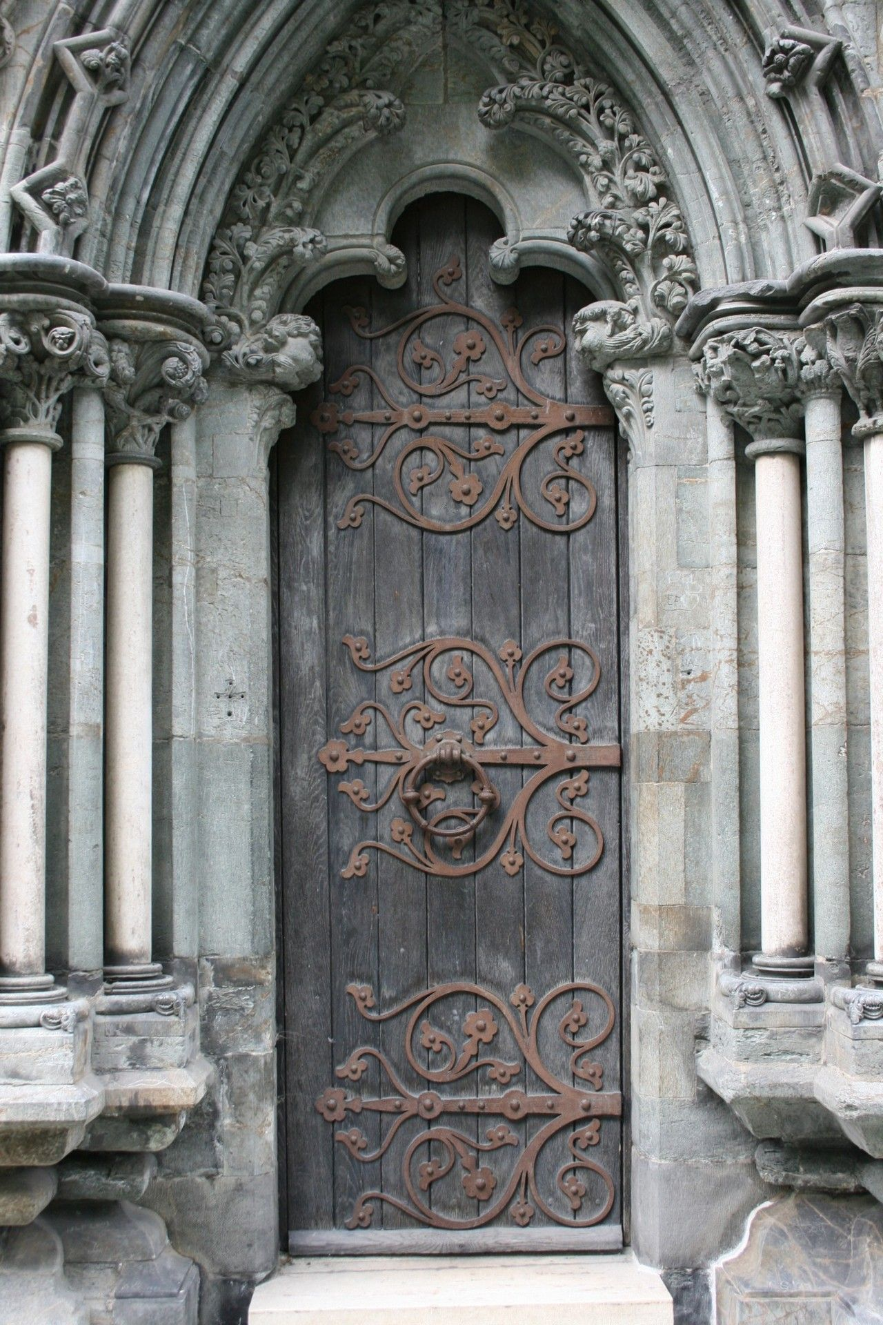 something so beautiful about this door. Reminds me of LOTR. & something so beautiful about this door. Reminds me of LOTR.   Home ...