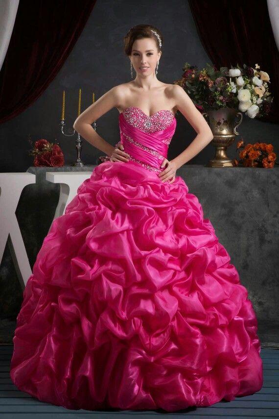 Pin de Nissi Ashlyn en princess gown | Pinterest