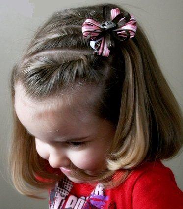 Las Ninas Pequenas Adoran Llevar El Pelo Con Diferentes Peinados