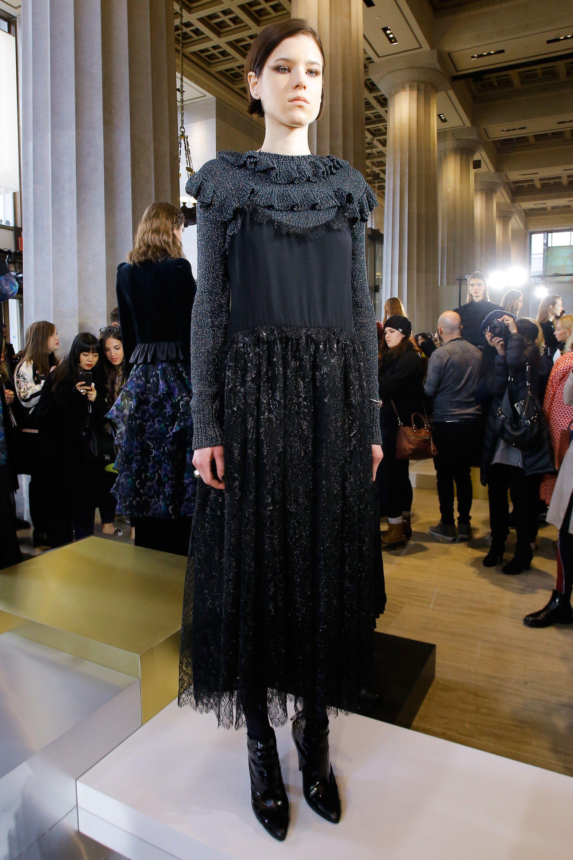 Stuart jill fall runway recommendations to wear in autumn in 2019