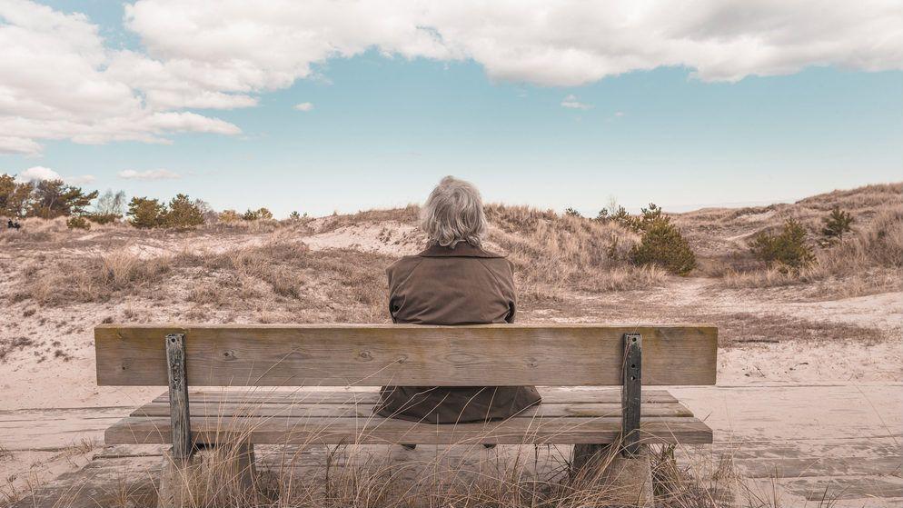 Was du noch heute tun kannst, damit du nichts bereuen musst, wenn du mit neunzig Jahren auf dein Leben zurückblickst. Mit diesen fünf Tipps kannst du sofort etwas in deinem Leben ändern. Auf, auf!