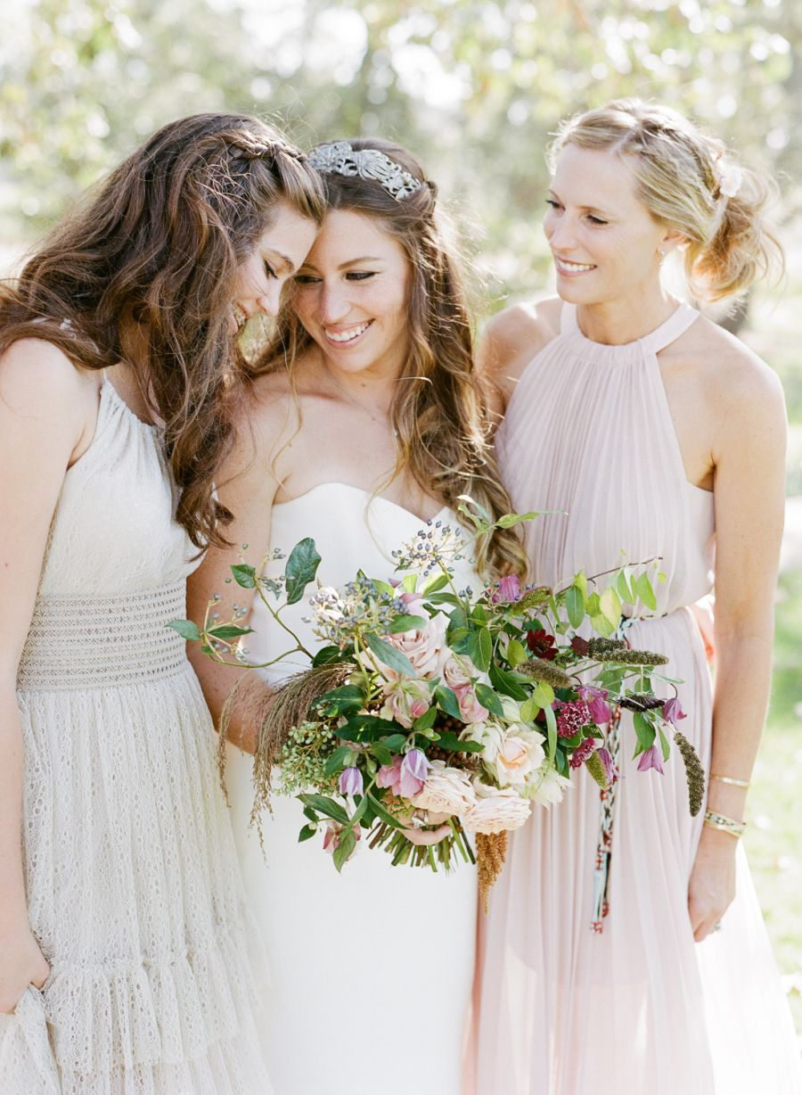 A bohemian wedding that made dreamcatchers feathers so chic
