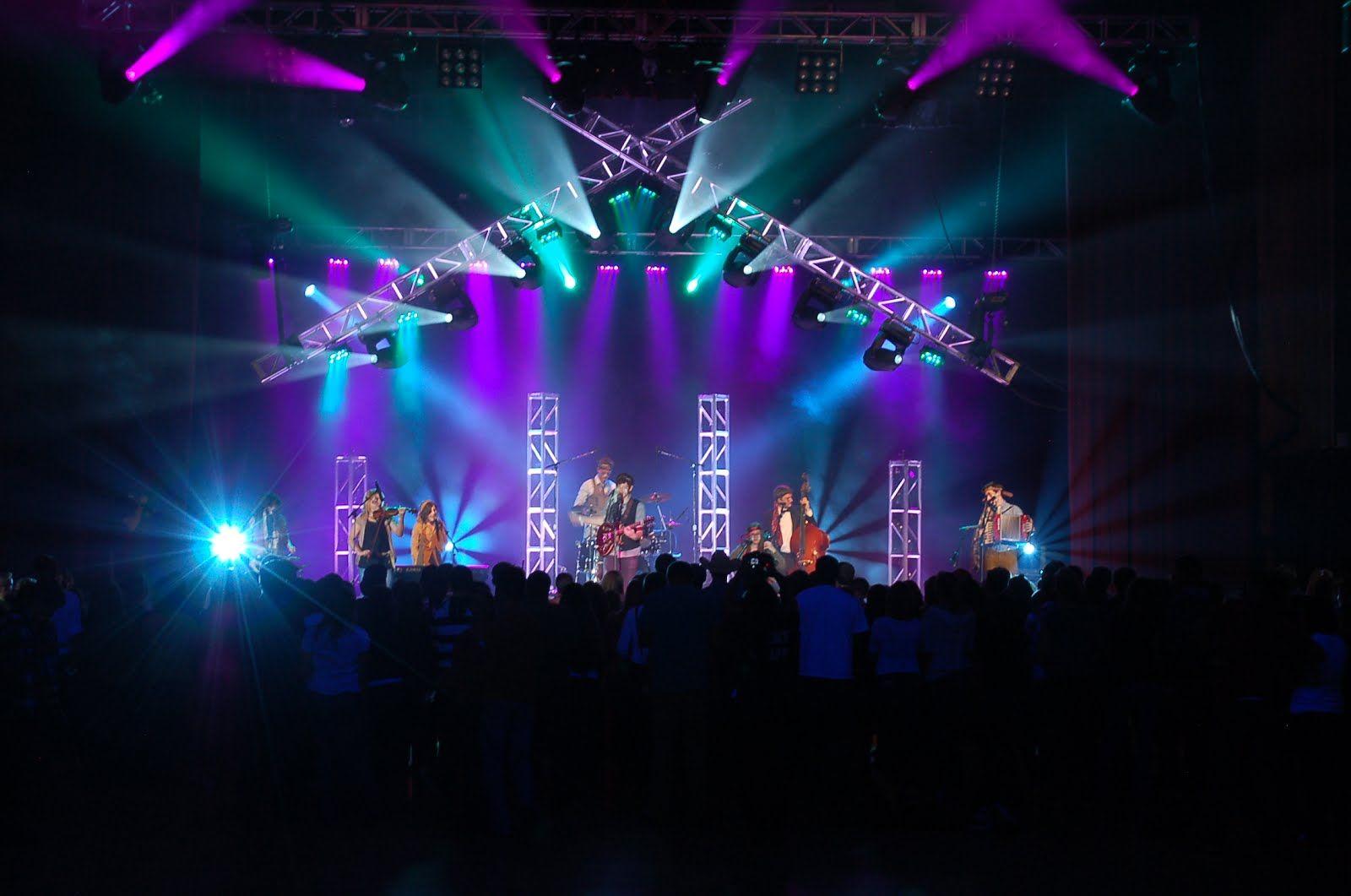Cool Use Of Trussing Concert Stage Design Stage Lighting Design Concert Lights