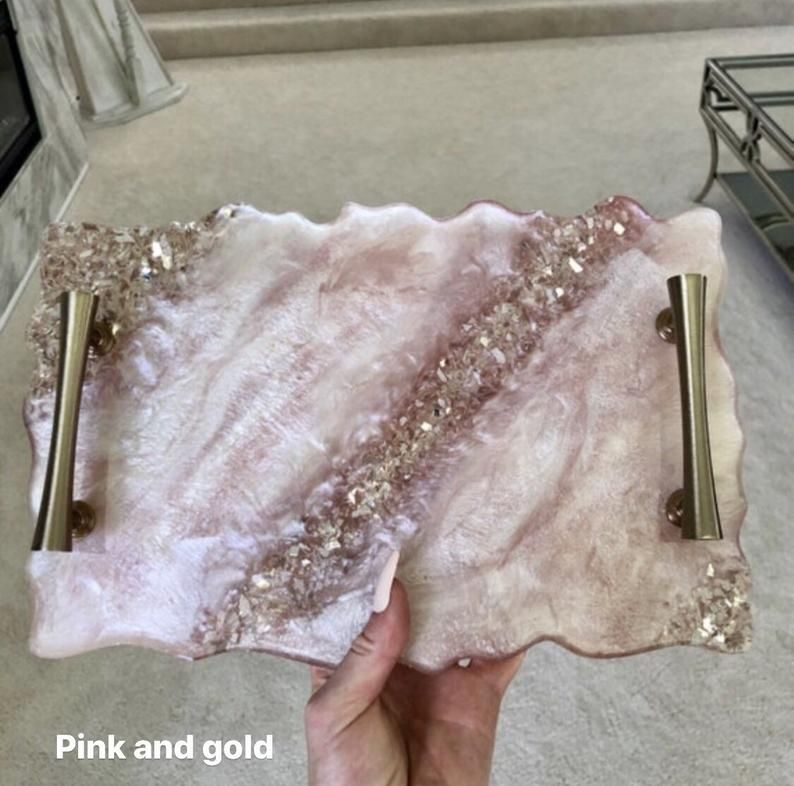 Super sparkly decorative geode tray in ANY color!