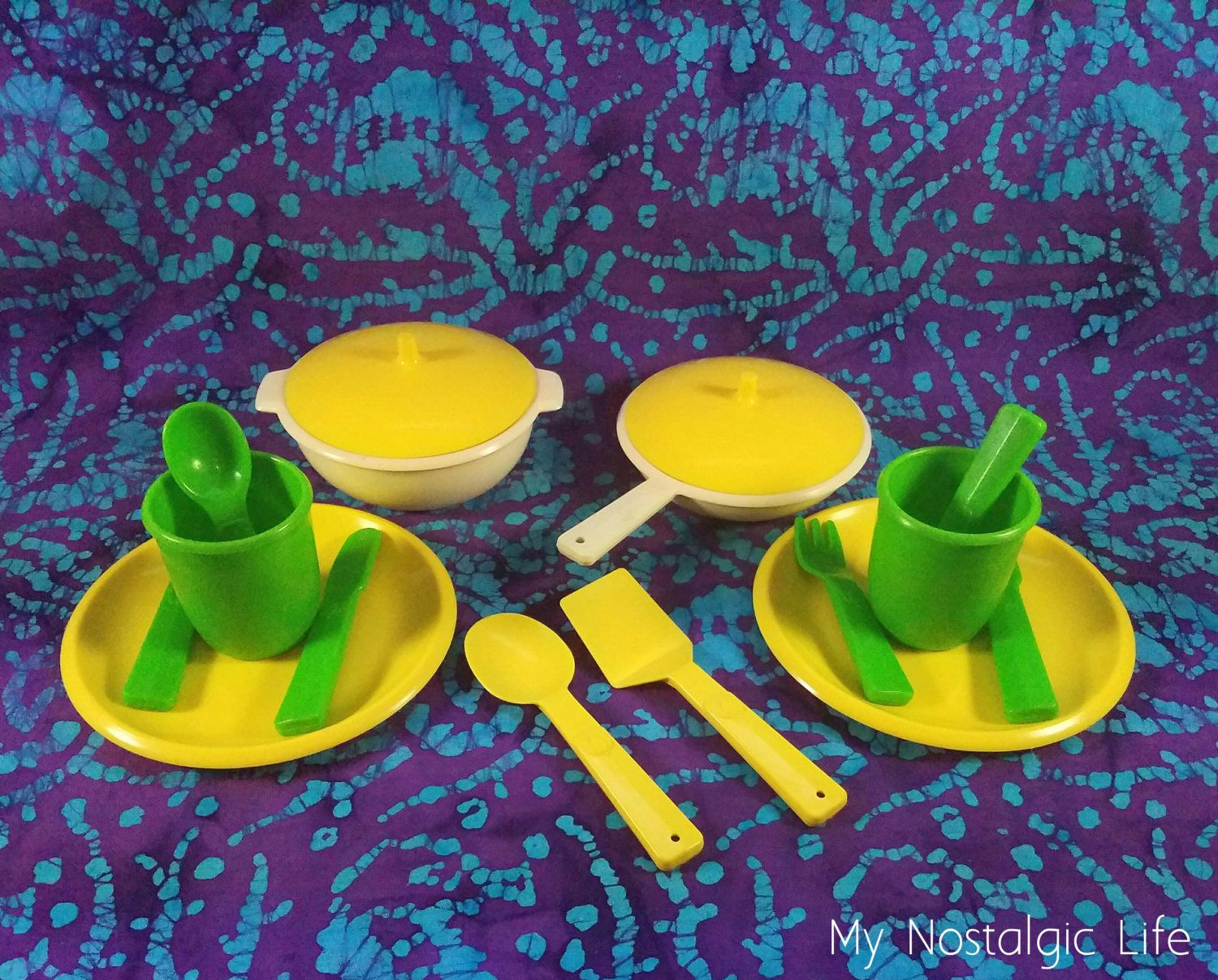80 S Toys Little Tikes Play Kitchen 2 Place Settings Etsy Dishes