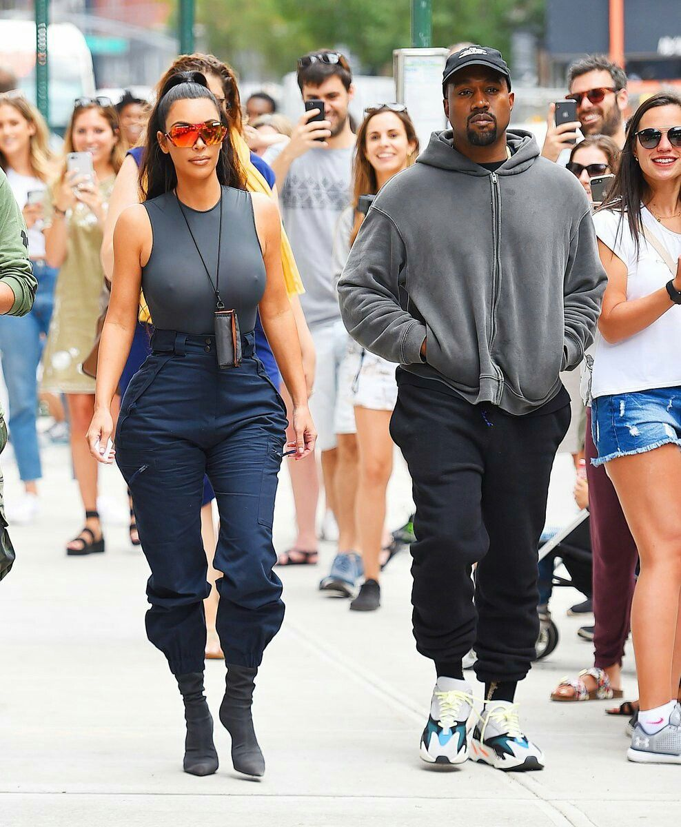 Kim Kardashian And Kanye West Out In New York June 15 2018 Kim Kardashian Style Kim Kardashian Kanye West Kanye West And Kim