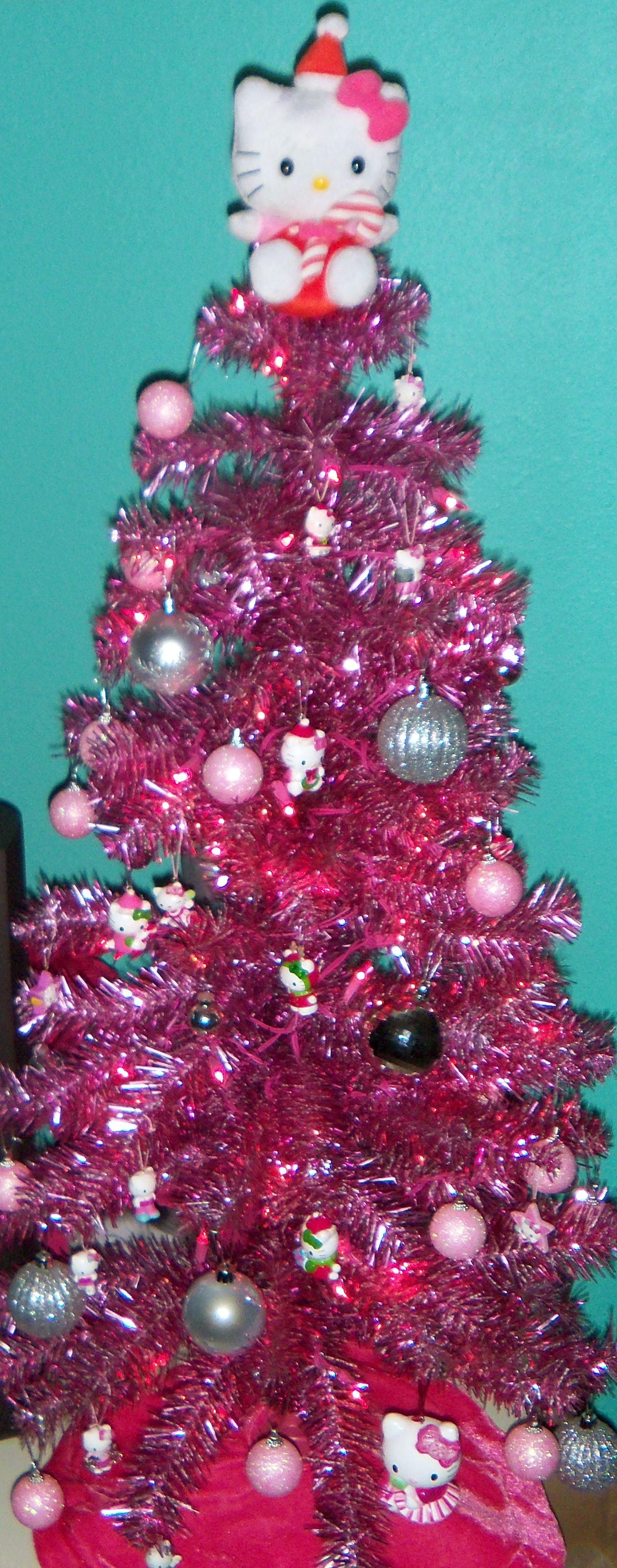 Hello Kitty Christmas Tree.Pink Hello Kitty Christmas Tree Lol My Hubby Made Ours Hello