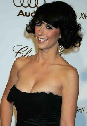 Jennifer Love Hewitt boobs. Because who doesn't want to ...
