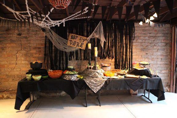 chris + erica Grandmas Ghoulish Garage Party Halloween - halloween garage ideas