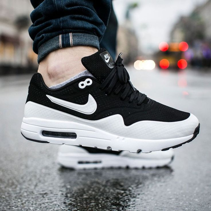 Best Drop Shipping Nike Air Max 1 Ultra Moire CH Couple running shoes White black[7