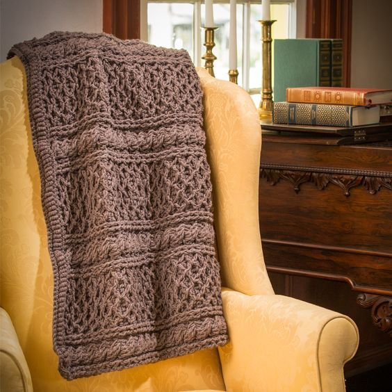 Downton Abbey yarn crochet pattern - free crochet patterns - DIY crocheted blanket