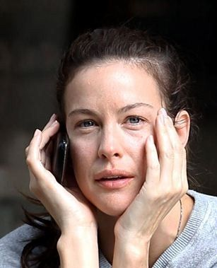 Liv Tyler with no make up –still looks fab | Celebs without makeup, Liv tyler, Celebrity without makeup