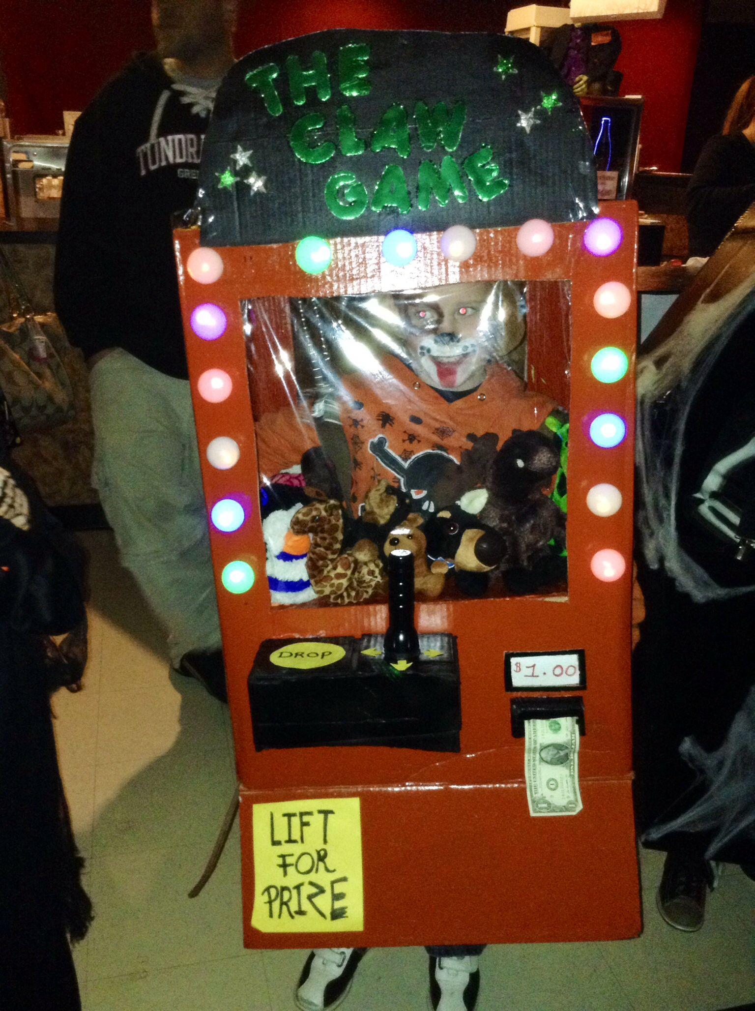 Claw Machine Halloween Costume Claw machine, Halloween
