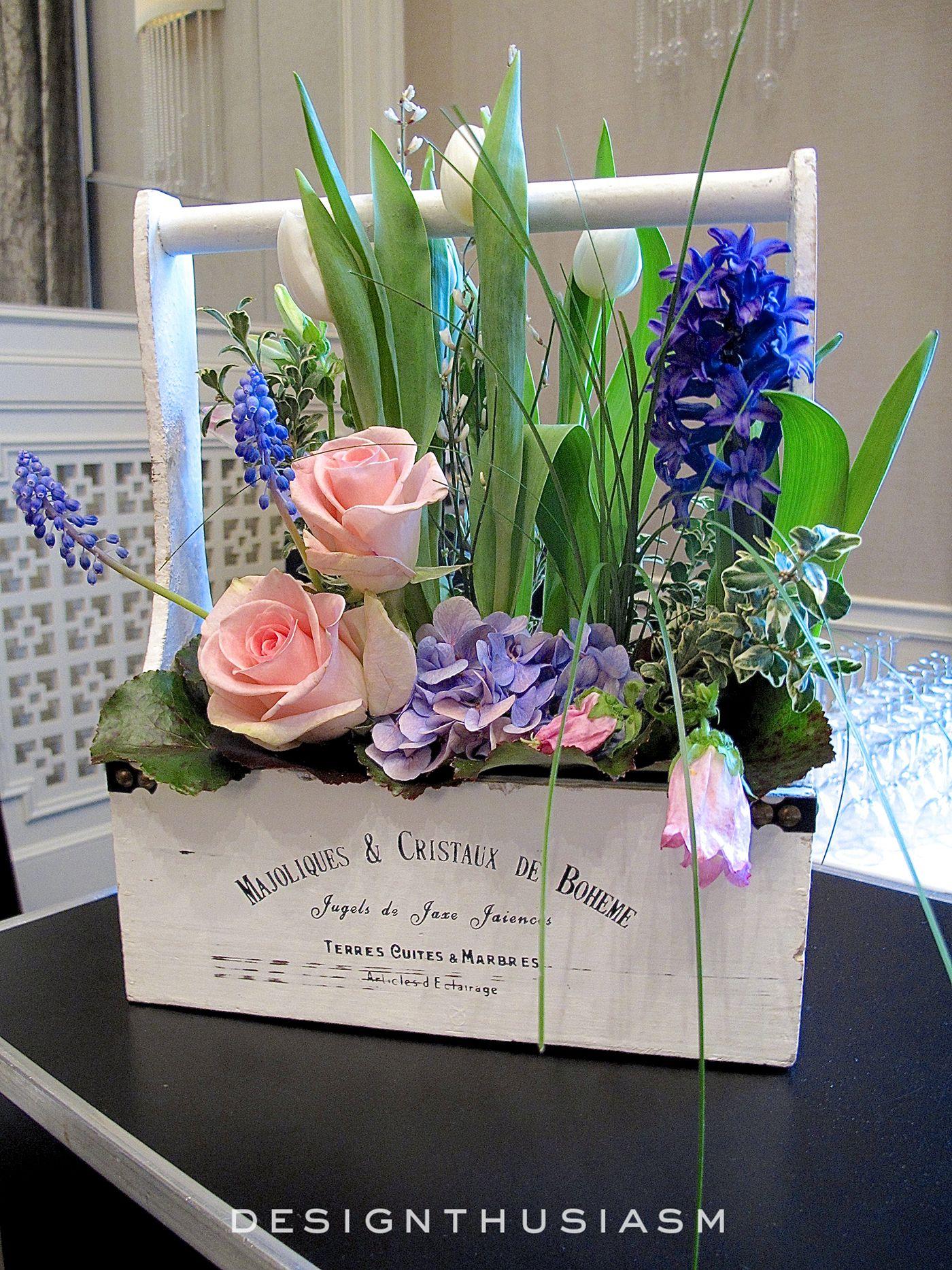 April in Paris Centerpieces for a Spring Party | Arreglos florales ...