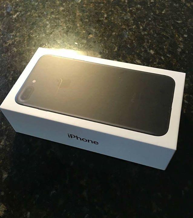 اخر فرصة للفوز بجهاز ايفون 7 بلس 32 Gb سوف يتم اختيار 40 شخص وسوف يتم الاعلان عن الاسماء غدا الساعة 9 بتوقيت الامارات للمشاركة في Iphone 7 Plus Iphone Iphone 7
