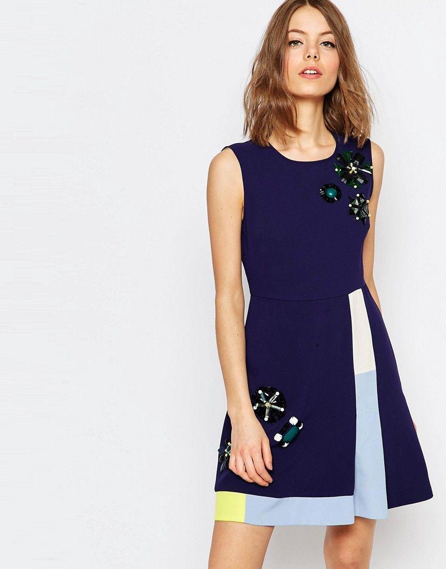 f5f13935ef65dc Bild 1 von Sportsmax Code – Marineblaues Kleid in A-Linie mit Verzierung