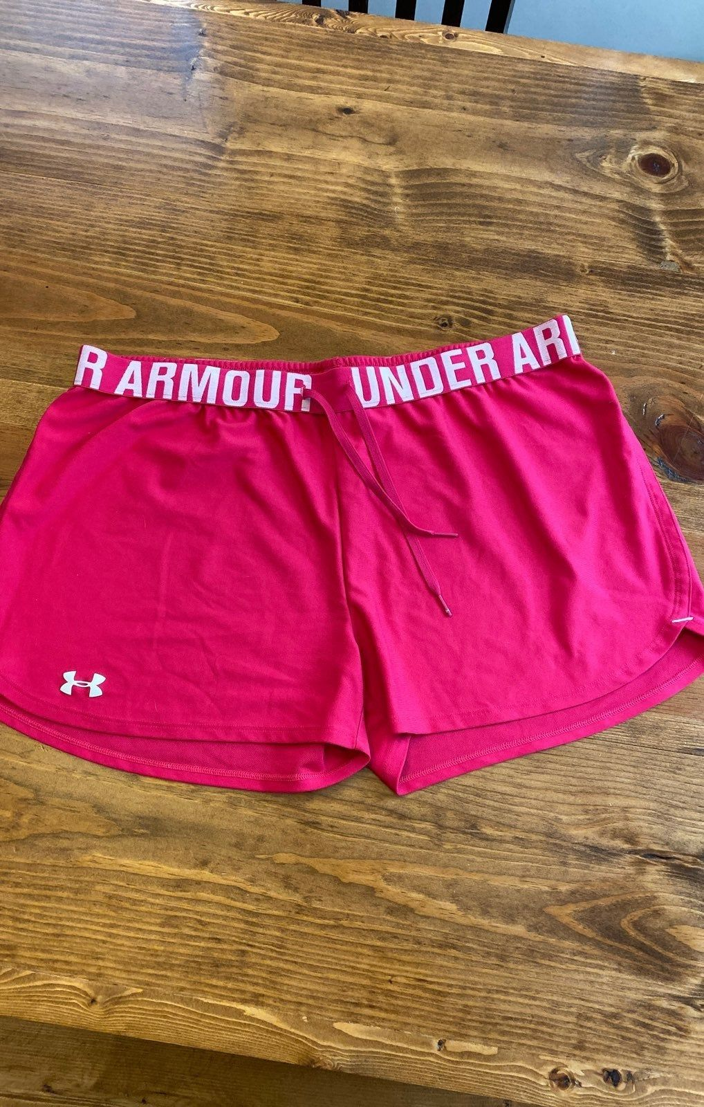 Women's Under Armour Performance Shorts Hot Pink Size M
