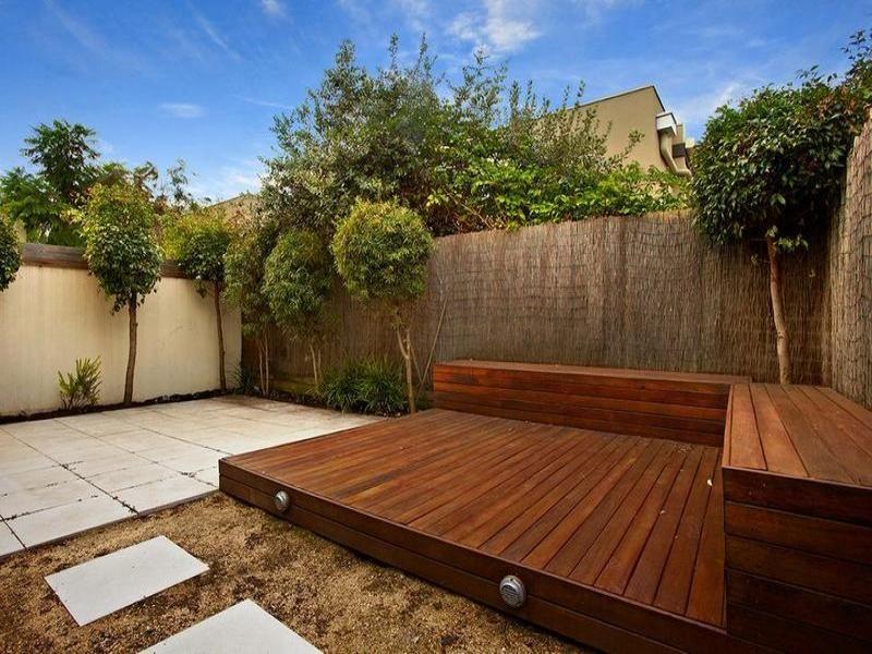 17 wonderful garden decking ideas with best decking for Garden decking seating ideas