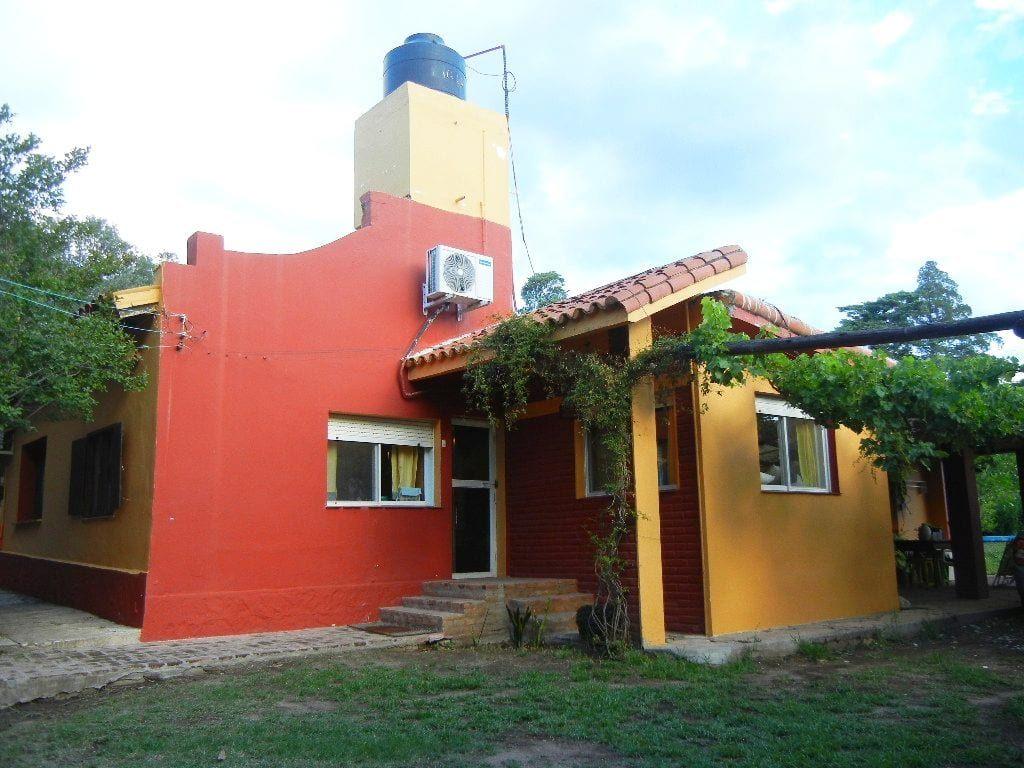 Inmobiliaria Aloja Vende Complejo Con Casa Y 8 Cabañas En Los Callejones De San Marcos Sierras Aloja Inmobiliaria Cabañas Casas En Venta Inmobiliaria