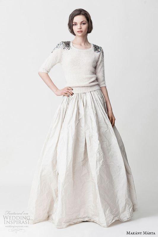 8e526c4ca0d 16-beautiful-winter-bridal-sweater-looks- 6