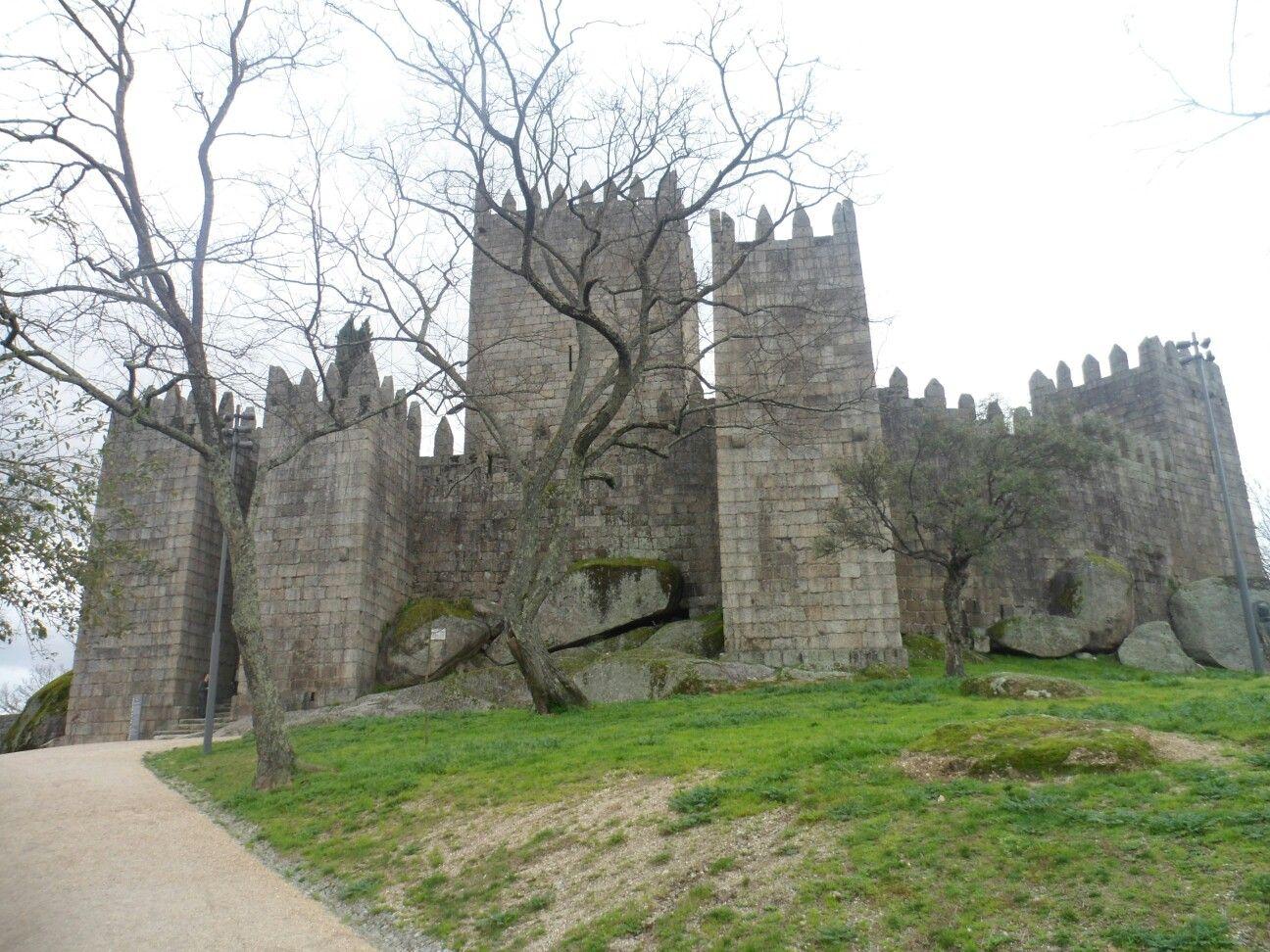 Castelo Paço dos Duques em Guimarães- Portugal