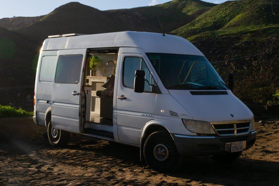 2005 Dodge Sprinter Motor Home Camper Van Rental In Los Angeles Ca Outdoorsy In 2020 Motorhome Van Life Traveling By Yourself