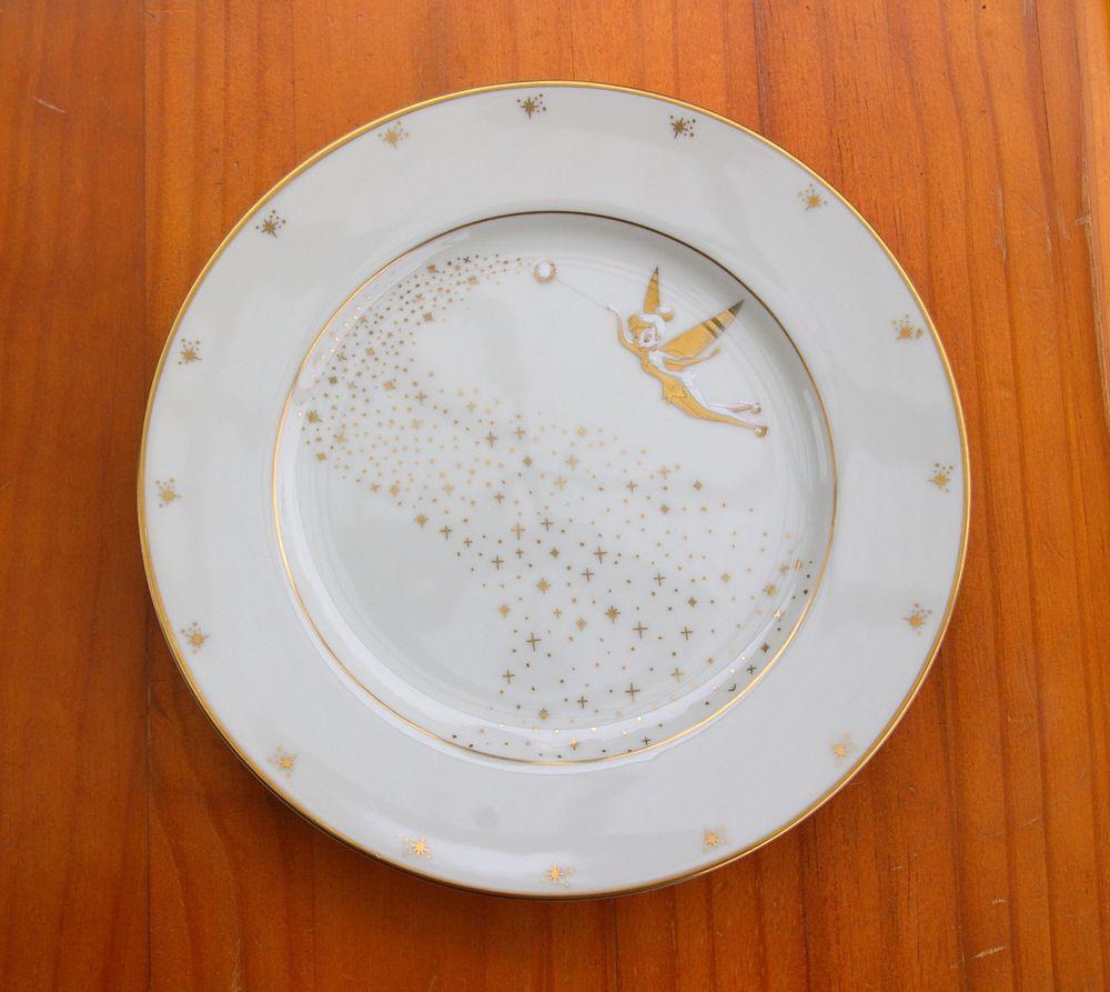 Tinkerbell 8 1/4\  Plate Gold Detailing White Peter Pan Walt Disney Gallery Japan & Tinkerbell 8 1/4\