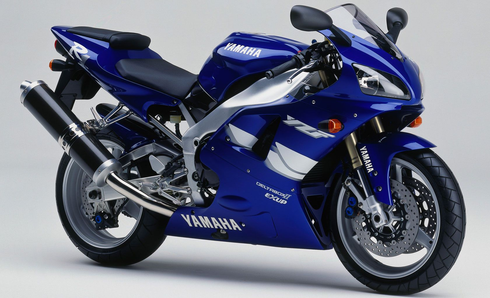 1999 Yamaha R1/YZF-R1 | putting excitement between your legs