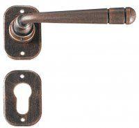 Art. G0112 Maniglia per porte a rosetta in ferro battuto finitura Nero ramato