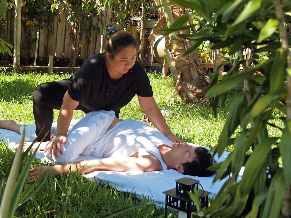 Thai massage Swedish relaxing full body warm oil Massage