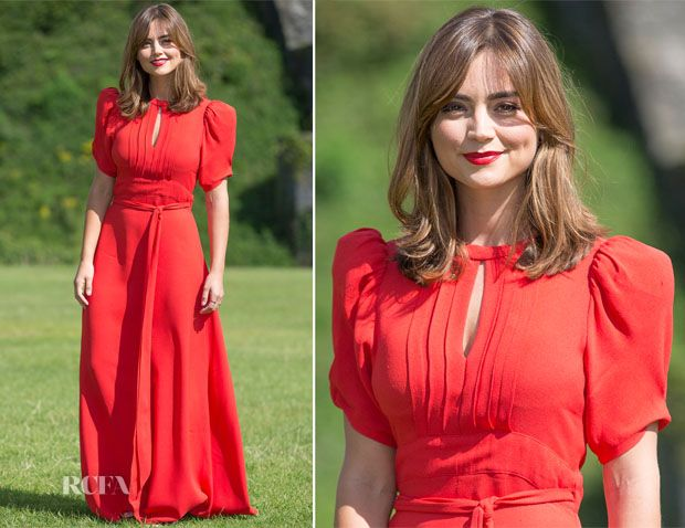 I don't think there's anyone more elegant in red than Jenna