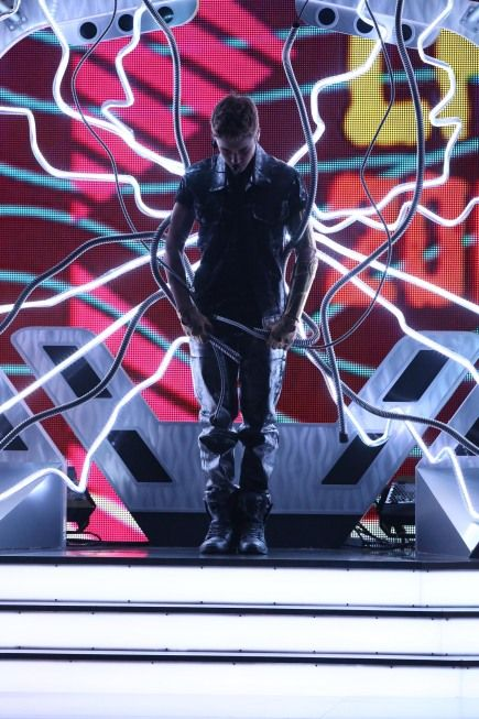 Justin Bieber performs at Teen Choice Awards 2012 Pictures