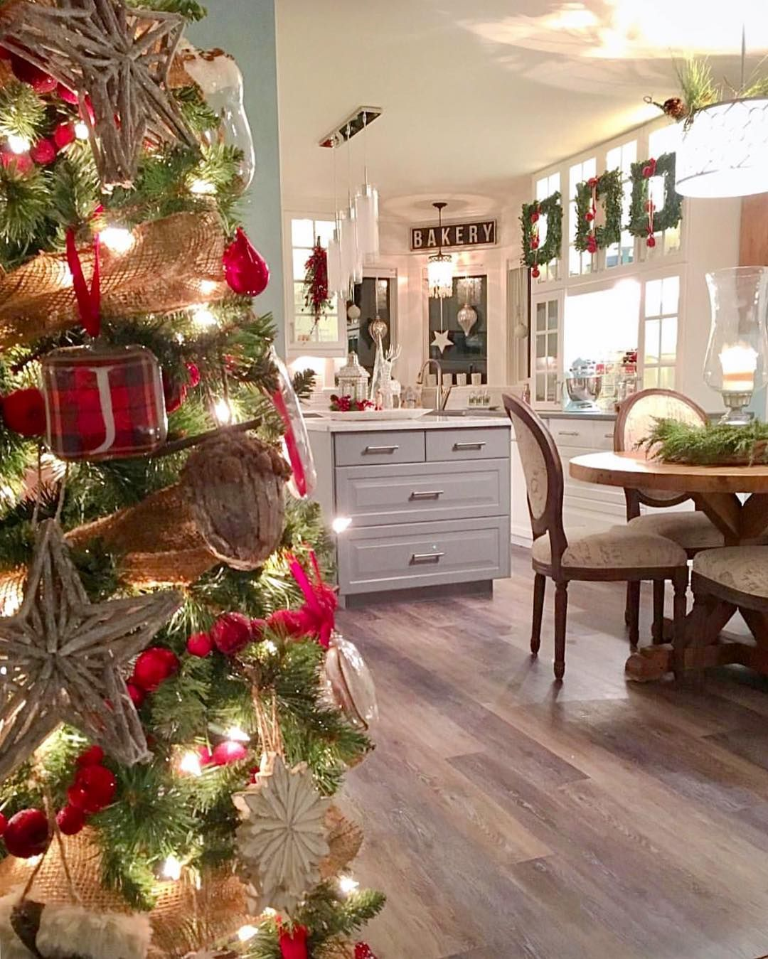 pin by perfect luxury on christmas with images christmas kitchen decor christmas kitchen on kitchen xmas decor id=42453