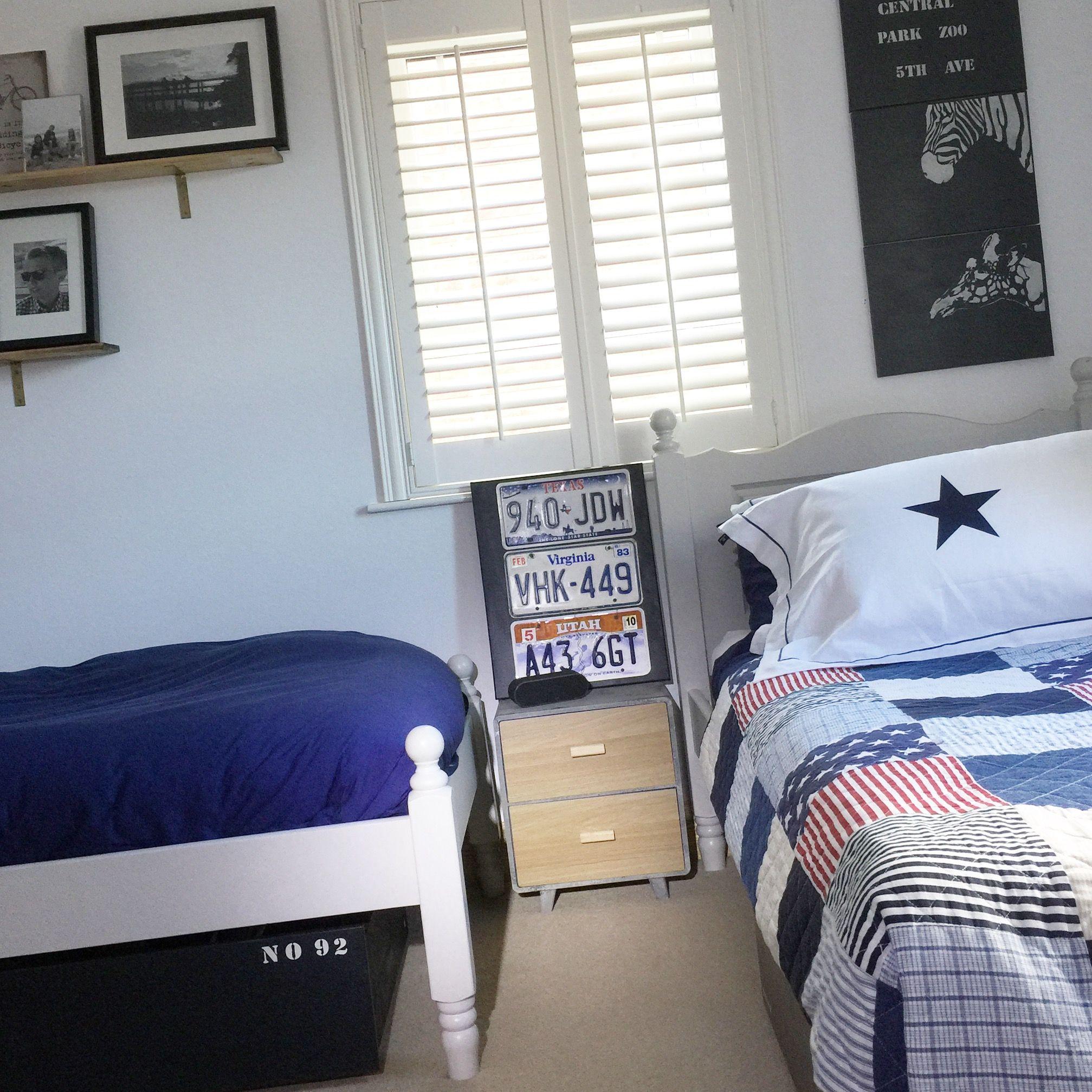 Teenage boys industrial New York loft style bedroom (With