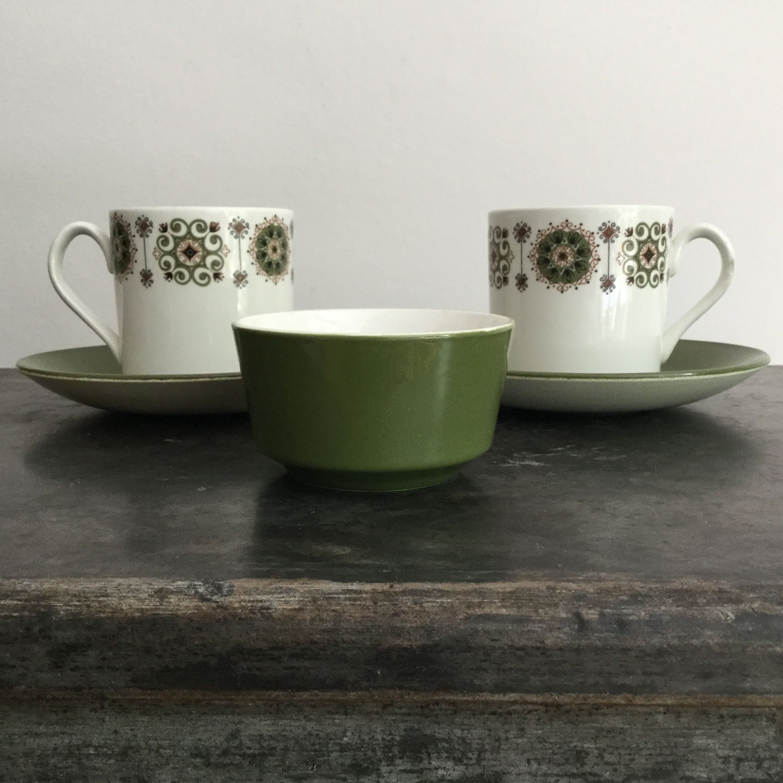 Dark Green & White Johnson Brothers Snowhite Malaga 2 X