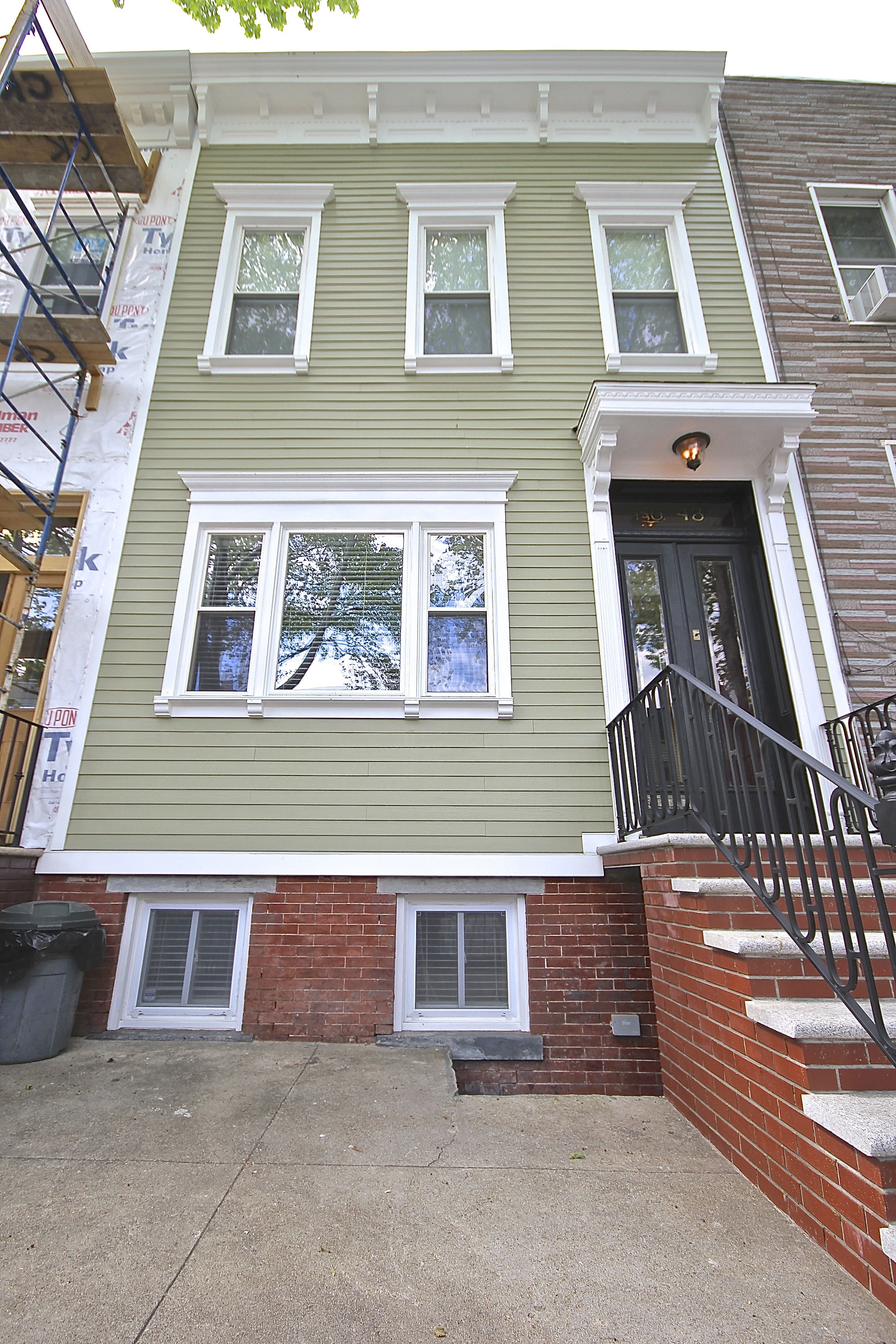 We Restored This Historic Brooklyn Home To Its Past Glory With Hardieplank Siding Hardie Siding Hardie Plank James Hardie Siding