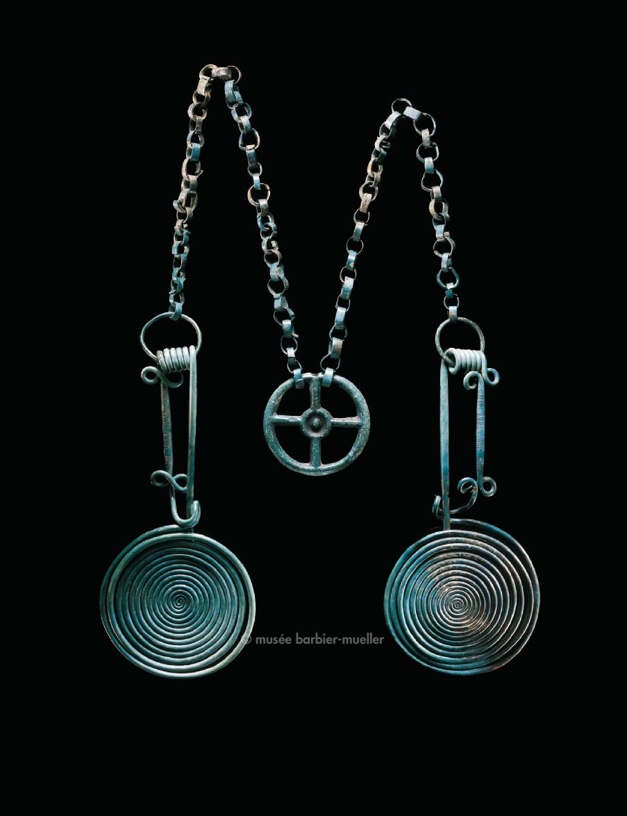 Parure de poitrine, Hongrie, nord de Budapest, dépôt-trésor type Gyermely | Âge du Bronze - Les Musées Barbier-Mueller