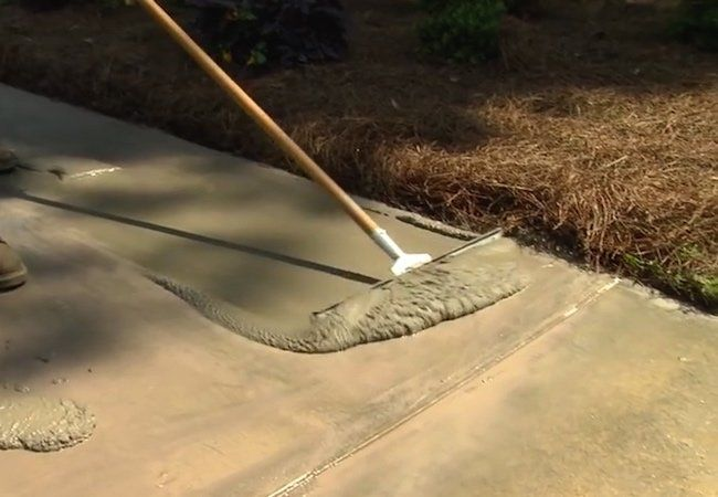 How To Resurface A Concrete Driveway   Squeegee Application