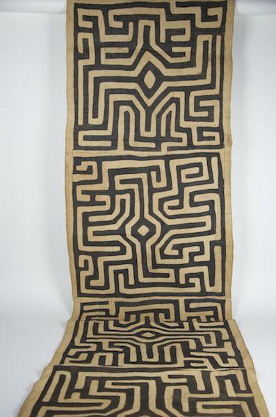 "Gallery-Quality Kente Cloth 26"" x 188"""