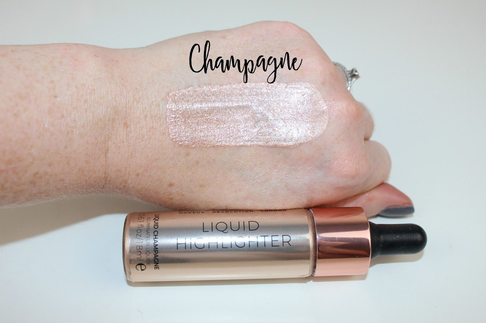 Makeup Revolution Liquid Highlighter Review Champaña